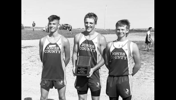 Boys Varsity Cross Country took 1st Place as a team at the 34th Annual Prestige Run in White River on September 14. Individually they placed (left to right) Chastin Tollakason 5th, Wyatt Olson 3rd, and Matthew Birkeland 2nd.